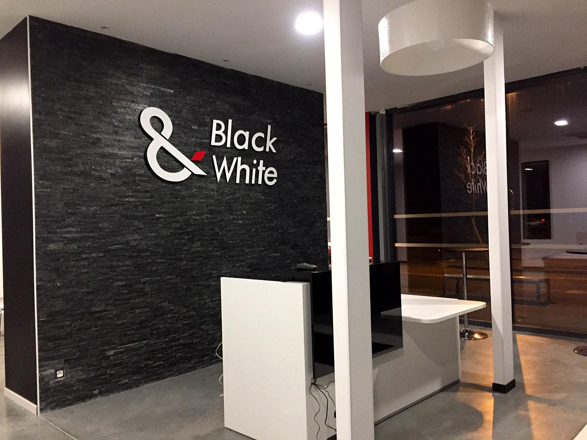 BLACK & WHITE LE SPORT ENSEMBLE