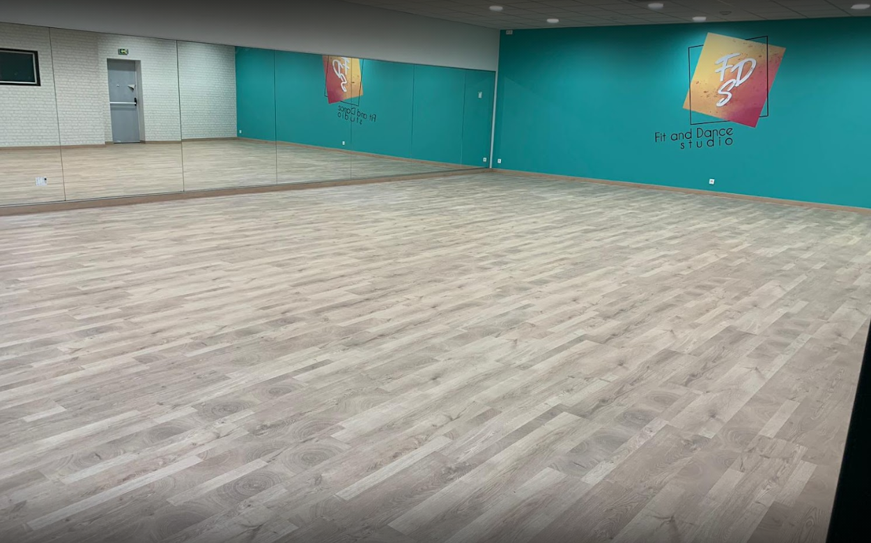 FIT AND DANCE STUDIO